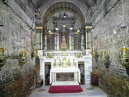10 dicembre la santa casa della madonna di loreto una for Disposizione della casa aperta
